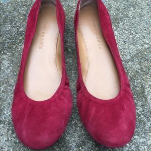 Aubrey Brooke Burgundy Red Suede Flats Shoes 7M